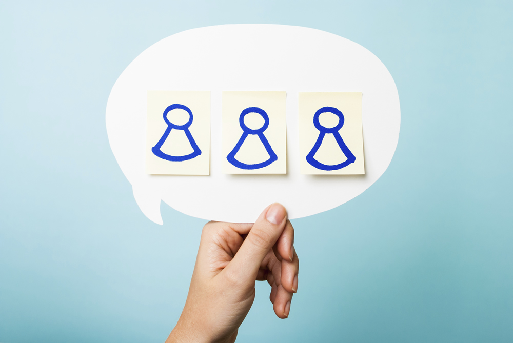 3 Characteristics to Look For When Hiring a Social Media Chat Agent